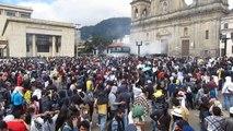 Manifestantes Desocupan  la Plaza De Bolívar.  Paro Nacional.  Paro Agrario ESMAD