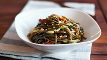 Eng Sub凉拌海带丝 Kombu seaweed salad recipe