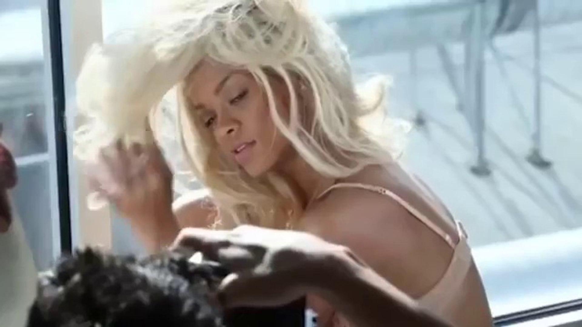 Behind The Scenes - Rihanna's Photoshoots