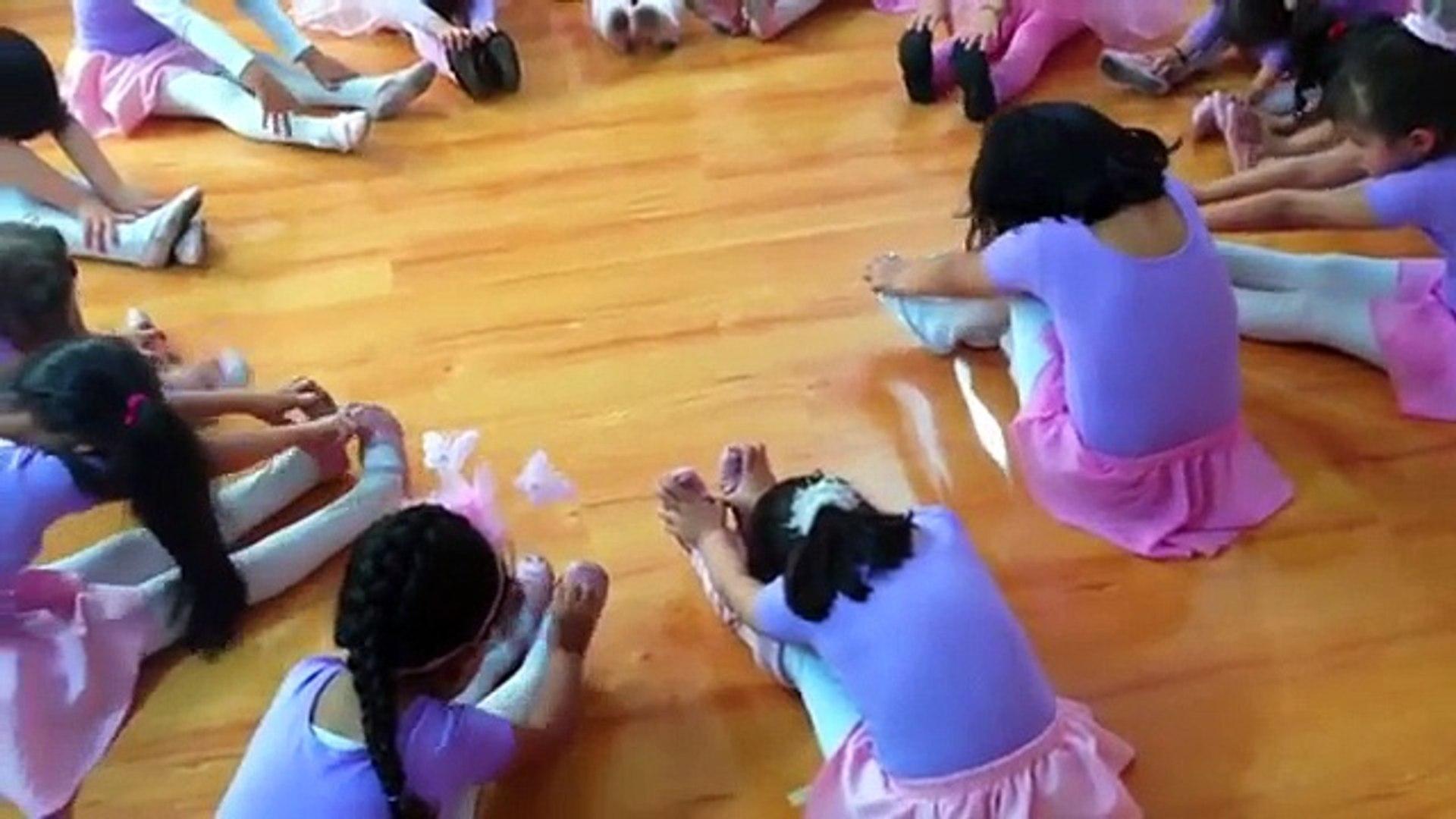 Ballet Calentamiento Pre-Ballet Academia Semillas Sede Modelia Academia Escuelas de Ballet