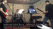 Jamming Chuck Berry - Johnny B. Goode at www.in-ear-studio.com
