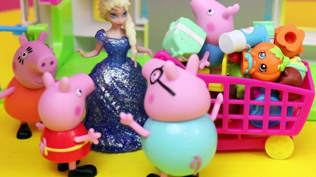 Peppa Pig Shops for Shopkins with Frozen Elsa and Anna Dollsa at the Small Mart Store DisneyCarToys
