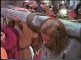 Jesus film ( cross) with Hillsong in Portuguese. Gesu alla croce e cori Hillsong in Portoghese
