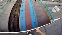Поездка на крыше метро