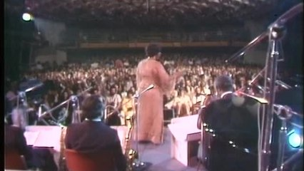 Ella Fitzgerald, Count Basie Orchestra - Flying Home