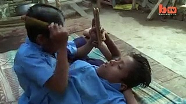 Amazing Videos: Outstanding Struggle Of One Body Brave Boys Living In India