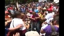 Imágenes fuertes: Así agredieron a simpatizantes de López frente al Palacio de Justicia