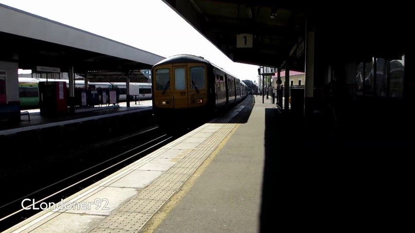 Class 319 Thameslink line from Elephant & Castle to West Hampstead Thameslink