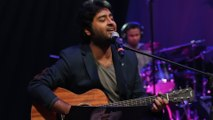 Arijit Singh with his soulful performance on the stage of 6th Royal Stag Mirchi Music Awards - 720p