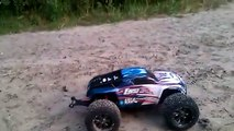 Losi 1/8 LST XXL 2 E Electric-Powered Monster Truck with AVC Lipo 3S