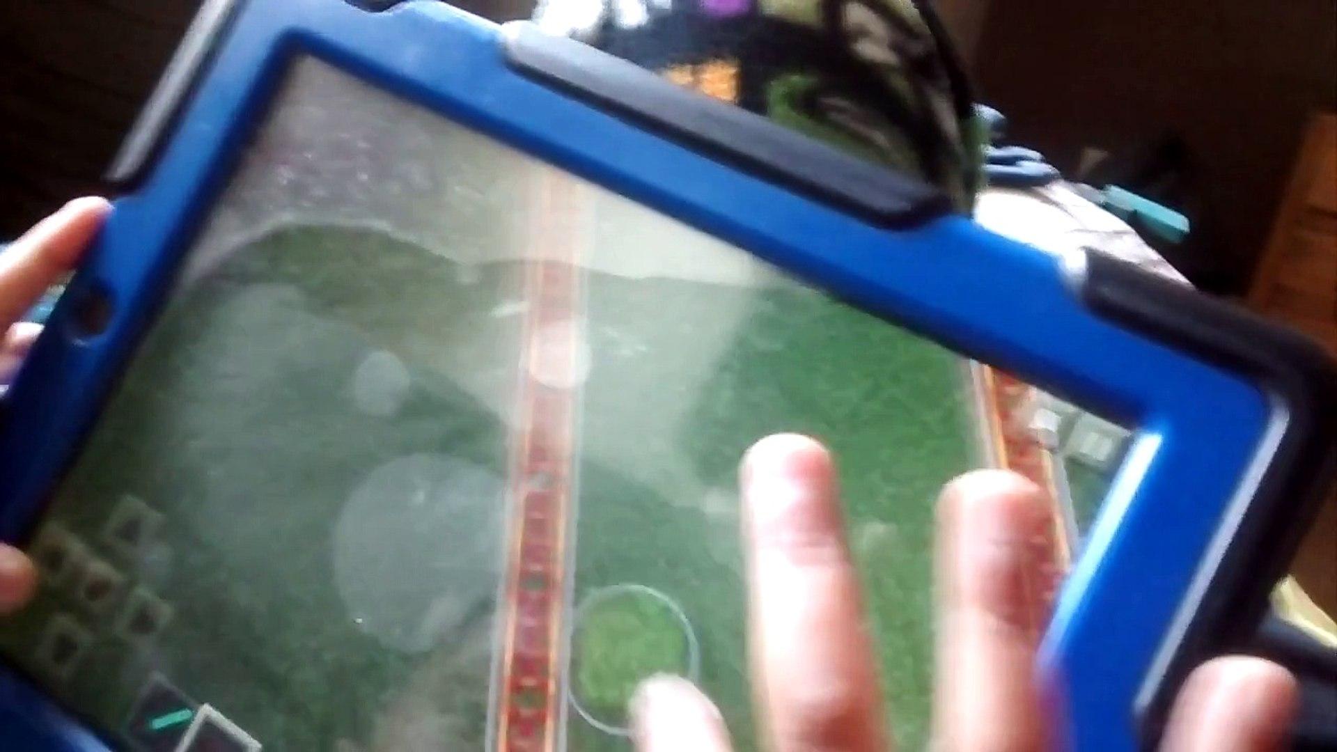 Kids playing Minecraft 3