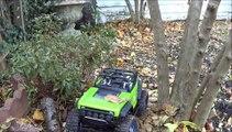 Axial SCX10 Deadbolt Garden Crawling