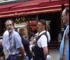 Mime suiveur des Champs Elysées
