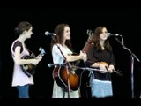 """Peasall Sisters """"Where no one stands alone"""" live"""
