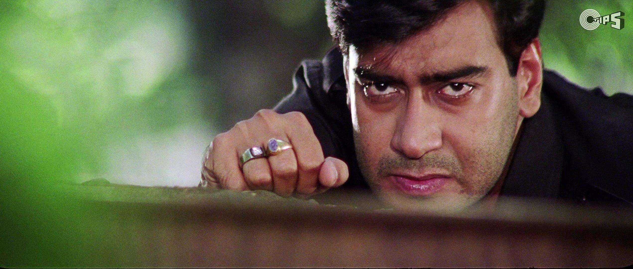 Ajay Devgn's Fierce Action Avataar | Kachche Dhaage Movie Scene