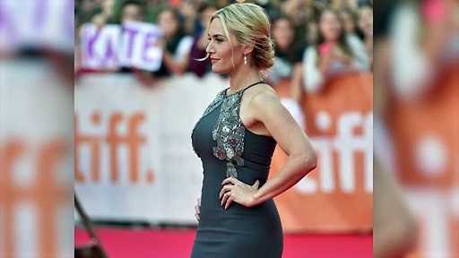 Kate Winslet Showing Off Curvy Figure In Fitting Dress. http://bit.ly/2m1pPEM