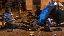 Sığınmacıların Macaristan sınırındaki çaresiz bekleyişi