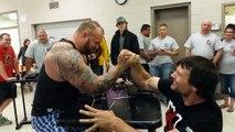 La Montagne de Game of Thrones perd un concours de bras de fer contre le champion du monde Devon Larratt