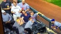 Un fan se prend une balle de baseball en plein tête en voulant la rattraper