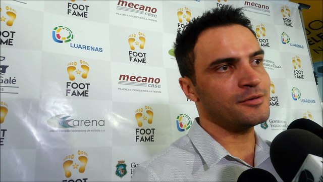 Falcão falando do amistoso de futsal entre Brasil x Portugal em Fortaleza