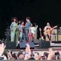 Le pantalon de Lenny Kravitz craque en plein concert dévoilant ses parties intimes !