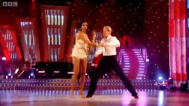 Alesha and Matthew's Cha-Cha-Cha - Strictly Come Dancing - BBC