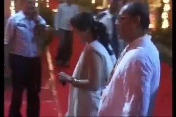 Kajol visits maha Durga pooja pandal