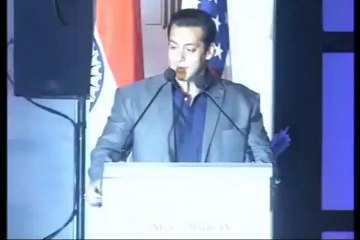 Salman Khan has fun with media