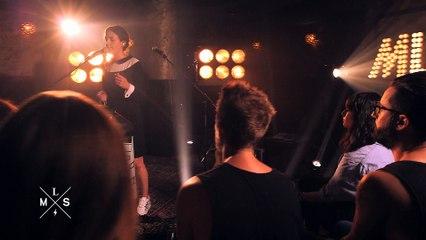 """[SESSIONS] Jain joue """"Makeba"""" en live dans Monte Le Son"""