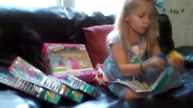Zoeys birthday shopkins part 1