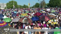 Holguin people anxiously await the Pope