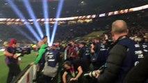 Rugby : Sonny Bill Williams donne sa médaille à un supporter