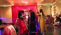 Faraz & Mahrukh Mehandi Dance - Dandiya Dance - Video Dailymotion