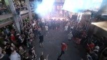 Un groupe punk abat un drone pendant un concert