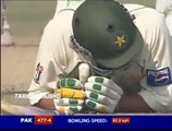 Unlucky Younis Khan gets out on 199 - .Younis Khan gets out on 199 -v