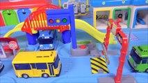 Tayo le peu de trajet en bus. voiture robot Naples route jouer, pororo jouet Robocar Poli bus de Route sur Piste