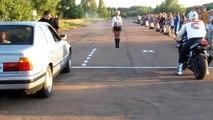 Départ arrêté : Voiture vs Moto