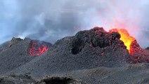Le volcan le Piton de la Fournaise en éruption