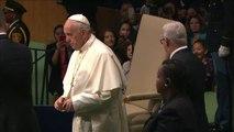 """Le pape François dénonce """"l'asphyxie"""" des pays pauvres"""