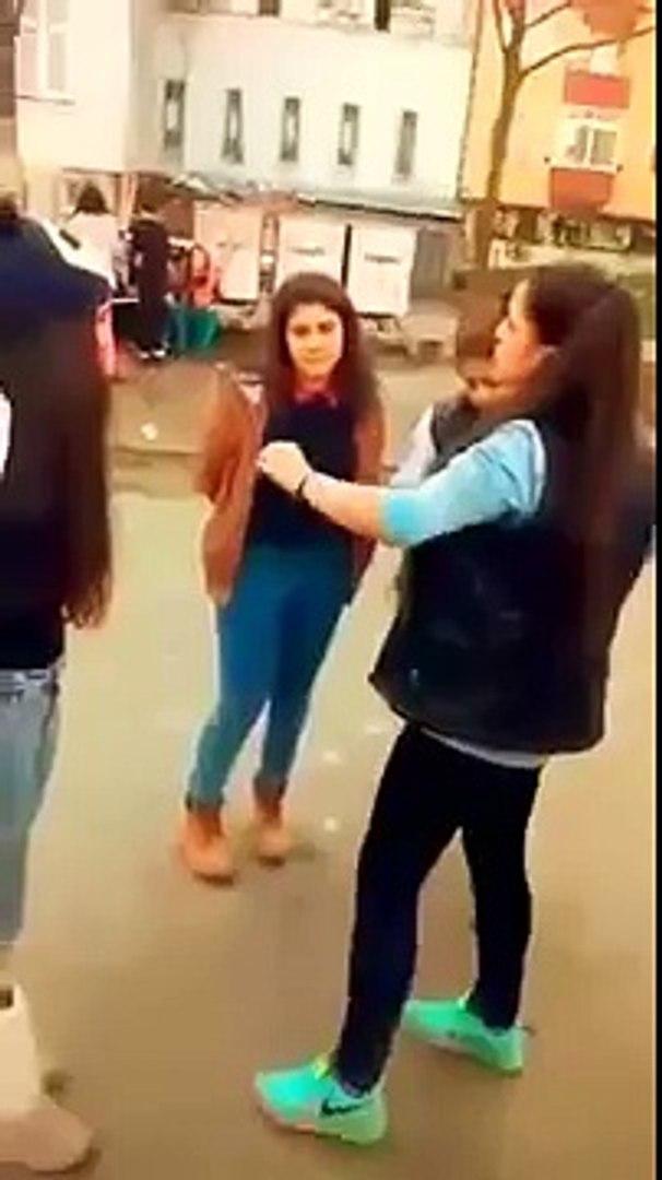 Türk liseli kız kavgası 2015