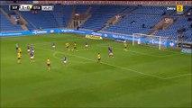 Football - Un gardien de but norvégien marque un coup franc... du milieu du terrain