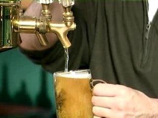 Comment servir une bière?