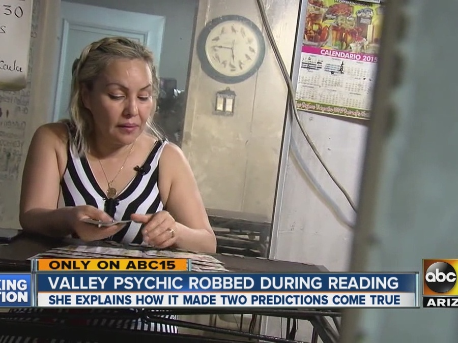 Valley psychic robbed during reading