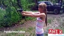 Dünyanın En Salak Kızları - Komik ve Aptal Kızlar Video derlemesi - Komik Şakalar