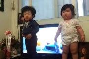 Bébés danseurs! Adorable et trop choux!   ......dansend baby's , schatig