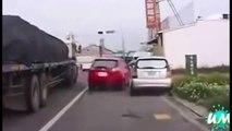 Komik Video En komik araba kazaları izle ☆ Komedi ve Eğlence izle (video)  ツ