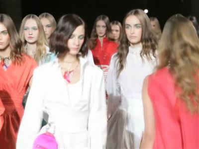 Fashion Week Paris : Mabille entre couleurs et pastèque