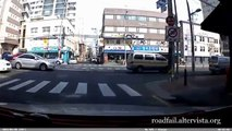 Driving in Asia Car Accidents Compilation 2015 (5)