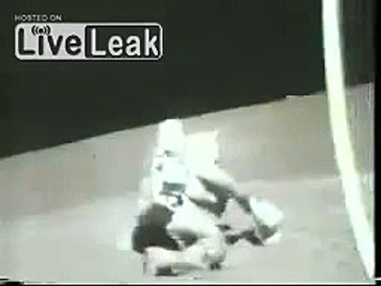 Astronot kontrolü kaybederse   Komik Videolar Komedi ve Eğlence izle (video) Komedi ve Eğlence izle