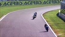 Accident de moto impressionnant pendant une course